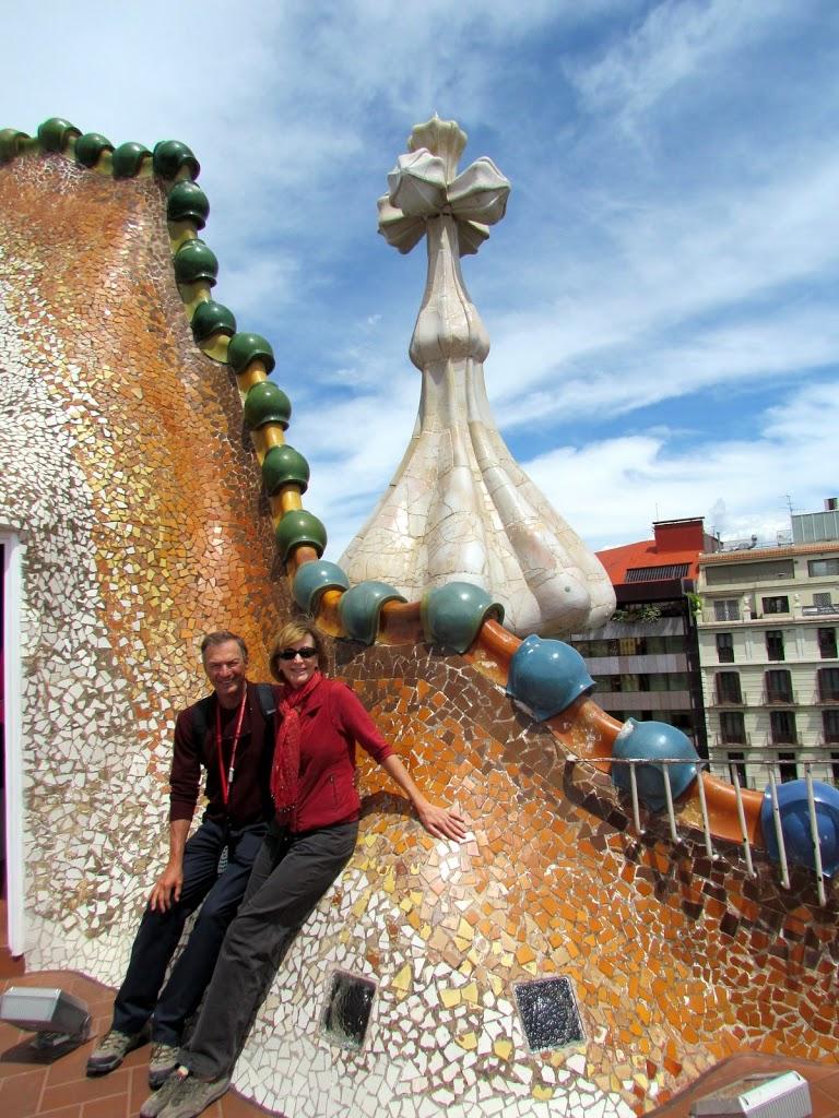 Gaudi casas in barcelona where are sue mike for Inmobiliarias barcelona